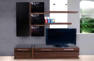 Σύνθεση τηλεόρασης με ακατέργαστο δρυ και λάκα